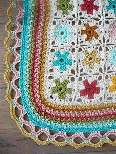 Crochet afghan. Inspiration only, but LOOK at that edging. <3