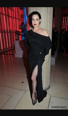I love the off the shoulder and lots of leg look Dita Von Teese Burlesque 5de6b4ab5dd7