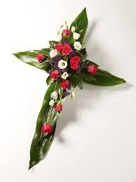 View our range of funeral wreaths, funeral sprays and funeral arrangements. Rosen Arrangements, Funeral Flower Arrangements, Christmas Arrangements, Funeral Flowers, Green Funeral, Funeral Sprays, Cemetery Decorations, Funeral Tributes, Memorial Flowers