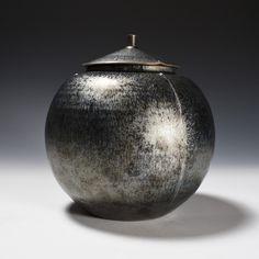 Ginsho Tenmoku Tsuisen Lidded Tsubo by Kamada Koji