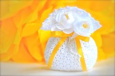 Wedding favor  Crochet  White bag with ribbon and di LeCrochetdOr, $20,00