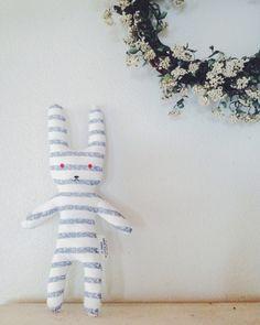 Tシャツうさぎの作り方|ぬいぐるみ|ぬいぐるみ・人形 | アトリエ|手芸レシピ16,000件!みんなで作る手芸やハンドメイド作品、雑貨の作り方ポータル