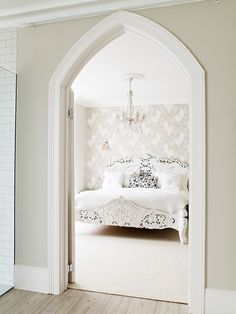 Walls in Elephant's Breath and woodwork in Wimborne White Bedroom Design Detail Architectural Details Modern by Farrow & Ball White Hallway, White Paint Colors, Wimborne White, Bedroom Inspirations, Room Colors, Farrow And Ball Living Room, Neutral Bedroom Decor, Living Room White, Living Room Paint