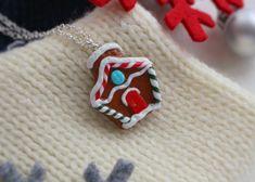 Jewelry Christmas Tree, Handmade Christmas Tree, Christmas Gingerbread House, Christmas Gifts, Travel Jewelry, Summer Jewelry, Polymer Clay Earrings, Jewelry Necklaces, Handmade Gifts