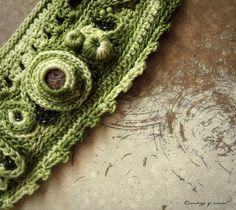 Freiform Armband häkeln grün schattiert von ChronologyOfCrochet, $30.00