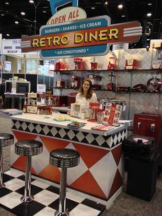Check out the Nostalgia Electrics Retro Diner booth at the 2013 International Home + Housewares Show! Doesn't that make you want a refreshing frozen Coke? Check out the Nostalgia Electrics 1950s Diner, Vintage Diner, Retro Diner, Retro Cafe, Vintage Signs, Bar Retro, Retro Party, Diner Booth, Burgers And Shakes