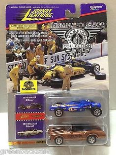 (TAS008773) - Johnny Lightning Muscle Cars - 1970 Al Unser & Pace Car