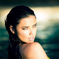 """brazilian-bombshells: """" theyloveadriana: """" Adriana Lima for Victoria's Secret Swim Special Never Forget. Pelo Adriana Lima, Adriana Lima Young, Adriana Lima Makeup, Victoria's Secret, Victorias Secret Models, Alessandra Ambrosio, Mannequins, Pretty People, Hair And Beauty"""