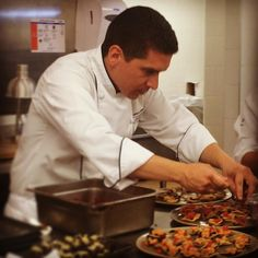 #sindudaelmejordetodos #chef #emilianorabia #marketkitchen #bogota #hotelwbogota #starwood #noche #bmw #trabajando #pasion #creatividad #amorporlacocina by ale_c1124