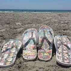 Así van a pasar la tarde Fran y Yolanda con sus modelos de #chanclas de #cine y #graffiti #Playa #Beach #Veranl #Summer