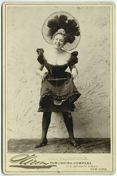 Nina Farrington | 1900