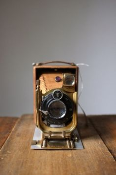 antique camera | collectibles + photography equipment