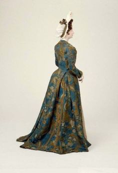 Venetian dress || MFA Boston || c. 1700