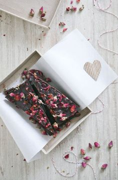 Rose Petal Dark Chocolate Bar | Use 100% Cacao instead, and Stevia to sweeten to make it Sugar-Free!