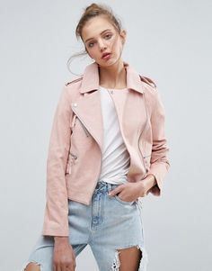 Il love this pretty nude light pink suede biket jacket