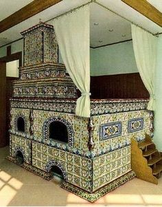Medieval Russian oven with sleeping loft House Inside, Wood Heat, House Design, Backyard Design, Sleeping Loft, Home, House, Fireplace Heat, Wood Stove Cooking