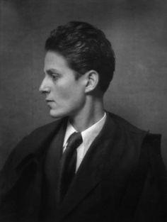 Gluck, 1926 photo by E.O. Hoppé