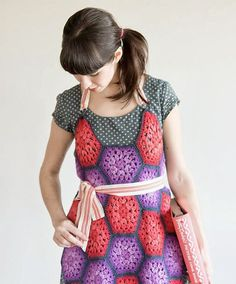Showing posts with label apron. Show all posts Monday, February 10, 2014 {Free Crochet Pattern} Granny's Market Apron free crochet patter...