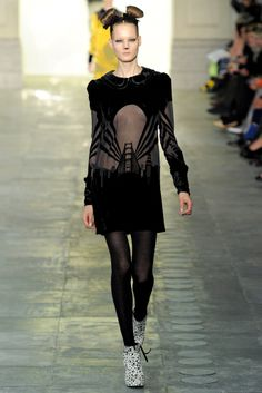 Topshop Unique | Fall 2011 Ready-to-Wear Collection | Style.com