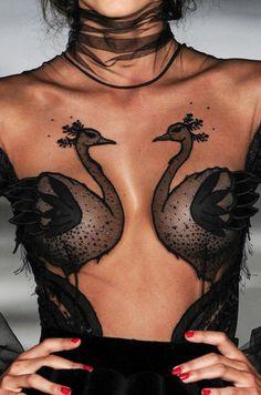 forlikeminded:    Yulia Yanina - Haute Couture - Fall 2015