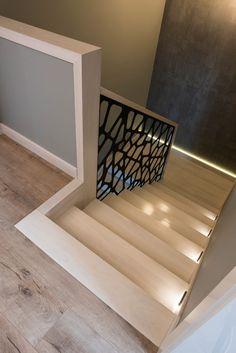 Schody dywanowe na beton Interior Design Your Home, Interior Design Living Room, Interior Decorating, House Stairs, Carpet Stairs, Escalier Design, Beton Design, Staircase Design, House Plans