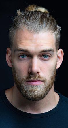Beautiful Men Faces, Gorgeous Men, Moustache, Emo Guys, Portrait Poses, Pretty Eyes, Male Face, Bearded Men, Eye Color