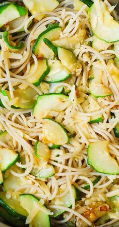 Parmesan Zucchini & Garlic Pasta (Spaghetti) - delicious and easy-to-make! Healthy, vegetarian recipe.