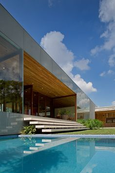casa Gêneses, morumbi, são paulo | isay weinfeld | Modern Architecture House, Futuristic Architecture, Residential Architecture, Architecture Details, Interior Architecture, Exotic Homes, Luxury Homes, Cool House Designs, Modern House Design