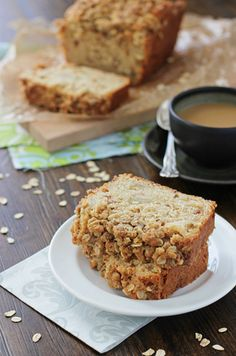 Will somebody make me this Pear Bread with Oatmeal Streusel? @CookieMonsterCooking's sounds too good to pass up! /ES
