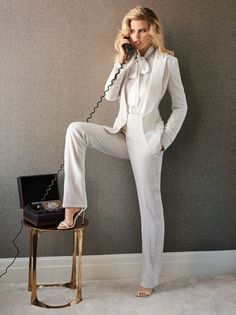 Publication: Vogue Mexico May 2017 Model: Lara Stone Photographer: Giampaolo Sgura Fashion Editor: Patrick Mackie Hair: Franco Gobbi Make Up: Maud Laceppe PART II Lara Stone, Business Style Women, Dandy Look, Costume Blanc, White Pantsuit, Suit Measurements, White Suits, White Tux, Office Looks