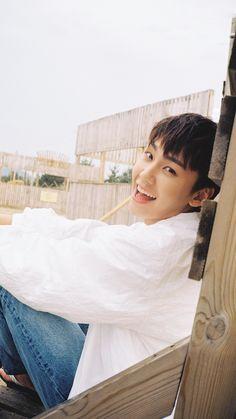 Sungjae Btob, Minhyuk, Fans Cafe, Bts Quotes, Jiyong, Crazy People, Kpop Boy, Photo Cards, Cute Wallpapers