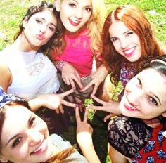 Violetta cast : Tini Stoessel Mechi Lambre Lodovica Comello  Candelaria Molfese Valeria Baroni
