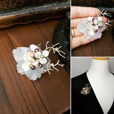"""아름다운브로치 IDUS.ME =>""""이다""""…"""" Pearl Brooch, Beaded Brooch, Beaded Jewelry, Jewellery, Carving, Pearls, Bracelets, Instagram Posts, Flowers"""