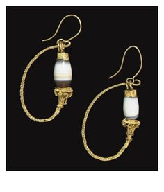 A PAIR OF GREEK GOLD AND BANDED AGATE EARRINGS -  HELLENISTIC PERIOD, CIRCA 1ST CENTURY B.C.   Christie's