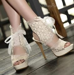 Reine de mode peep toes PU lacets cheville stiletto sandales à talons