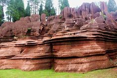 Red Stone Forest | #Geology #GeologyPage #China Red Stone Forest National Geological Park is located in Guzhang County in Xiangxi Tujia and Miao Autonomous Prefecture in the west of Hunan Province. The formation of the red stone forest can traced...