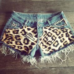 Spring / Summer Outfit - Leopard Shorts and Studs