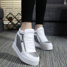 Encontrar Más Moda Mujer Sneakers Información acerca de Marca moda mujer de encaje blanco de plataforma corteza gruesa zapatos para mujer alta top ocultos cuña dulce de la mujer zapatillas SDGV, alta calidad Moda Mujer Sneakers de william's shop1987 en Aliexpress.com