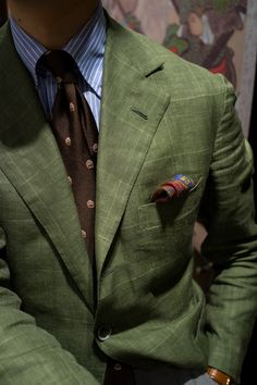 ove this. Just look at that green, so wonderful. And the tie. Perfect.