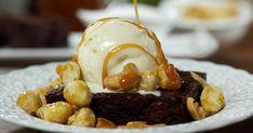 Découvrez cette recette de Brownies pour 6 personnes, vous adorerez! Caramel, Bechamel, Cupcakes, Mayonnaise, Fondue, Waffles, Eggs, Chocolate, Fruit