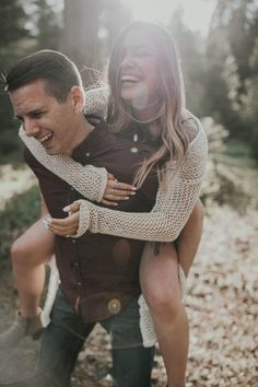 Funny Engagement Photos, Forest Engagement Photos, Country Engagement Pictures, Engagement Humor, Outdoor Engagement Photos, Engagement Photo Outfits, Engagement Photo Inspiration, Engagement Ideas, Fall Engagement