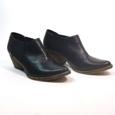 Very Volatile Los Angeles Size 6.5 Black Leather Slip On Western Ankle  Boots  VOLATILE   5f21a0874