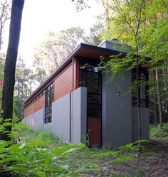 18 Modern House In The Forest // Tucked Into The Greenery Of The Forest,