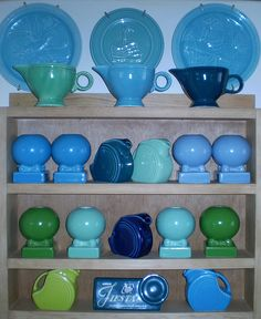 SQUEE! Its the blue and green Fiestaware I love so nicley displayed