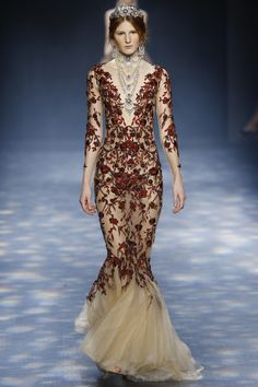 Marchesa Fall 2016 Ready-to-Wear Collection Photos - Vogue