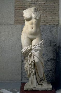 Aphrodite - 149-100 BC. Discovery: January 25, 1911 during work on the Via Appia. Paros Marble. | BEN - Raffaello Bencini / Alinari Archives, Florence