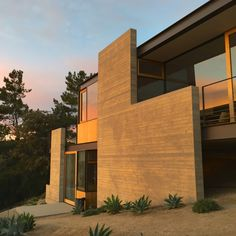 Take Your Next Vacation in a Midcentury Home in the Santa Monica Mountains - Dwell