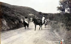 Tipos mexicanos Leñadores hacia 1930-1950. Tepic, Nayarit, México. Cortesía: www.MexicoEnFotos.com (Mexico)