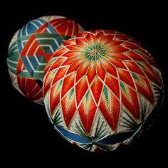 I have just found these beautiful temari balls....what amazing workmanship!