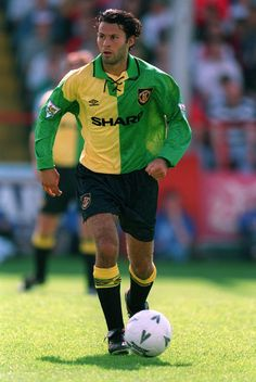 From Adidas to Umbro to Nike, Ryan Giggs wore 48 different strips during his 23 years in the Manchester United first-team.Giggs donned everything from acid Originals to depressing grey strips to gingh. Retro Football, World Football, Vintage Football, Football Shirts, Football Players, Football Soccer, Football Stuff, British Football, Legends Football